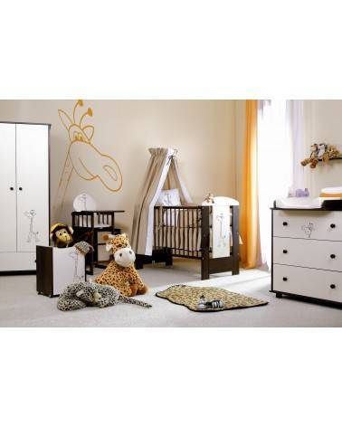 Chambre bébé avec une armoire Girafe